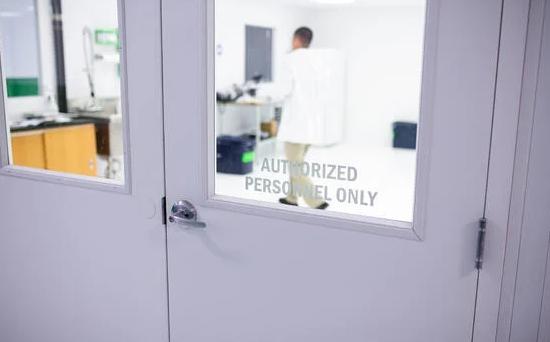 verdure-sciences-laboratory-door
